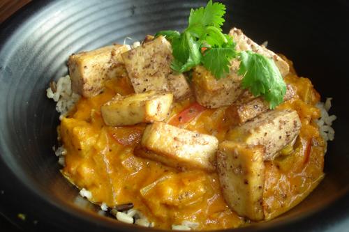 Cari de légumes au menu du jour version au tofu